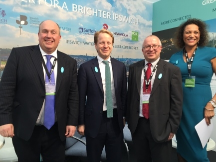 2015_10_21 BEn Gummer David Elsemere & Deborah Cadman on stand at MIPIM